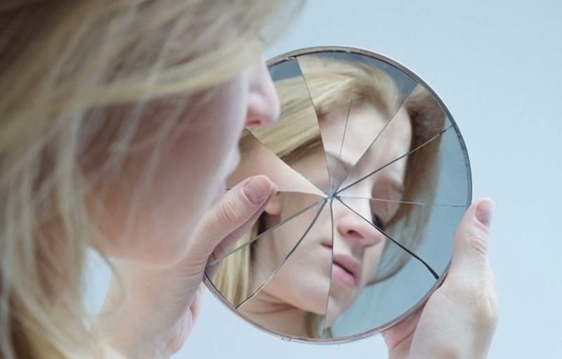 Les causes du manque d'estime de soi